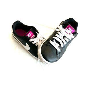 Nike Court Majestic Shoe Size 6.5
